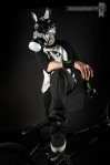 _RickThorne_SneakerGasMask02