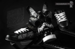_RickThorne_SneakerGasMask04