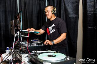 DJ Deleon on the 1s & 2s