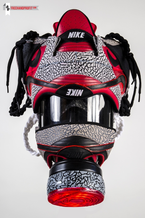 Nike SB x Supreme Dunk Gas Mask