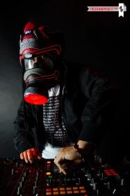 Nike SB x Supreme Dunk Gas Mask