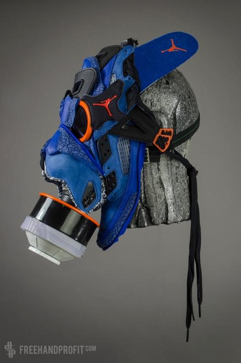 """Jordan Spizike """"Knicks"""" Gas Mask"""