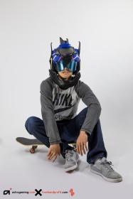 _076 Nike SB Koston 2 Astro Gaming Wireless Helmet 12
