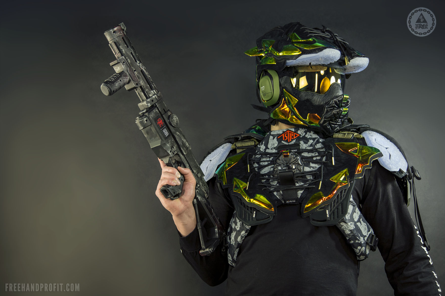 Best Motorcycle Armor >> ASTRO Gaming x Freehand Profit: Master Chief Gaming Helmet ...