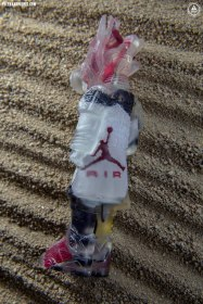 """""""UNDS Gravel"""" containing pieces of Carmine 6s"""