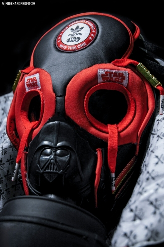 The 10th sneaker mask created by Freehand Profit. Find out more about the work on FREEHANDPROFIT.com.