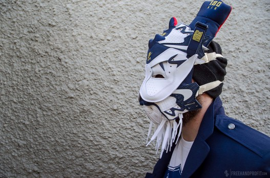 The 38th sneaker mask created by Freehand Profit. Made from 1 pair of Nike Air Force 180s. Find out more about the work on FREEHANDPROFIT.com.