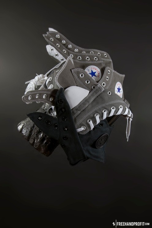 The 92nd sneaker mask created by Freehand Profit. Made from 4 pairs of Converse Chuck Taylors. Find out more about the work on FREEHANDPROFIT.com.