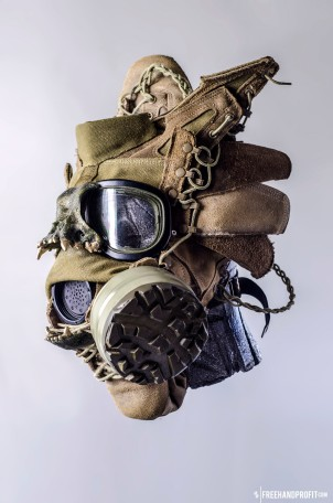 WEB 050 USMC Combat Book Gas Mask 02