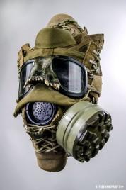 WEB 050 USMC Combat Book Gas Mask 04