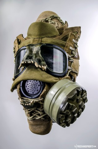 WEB 050 USMC Combat Book Gas Mask 04