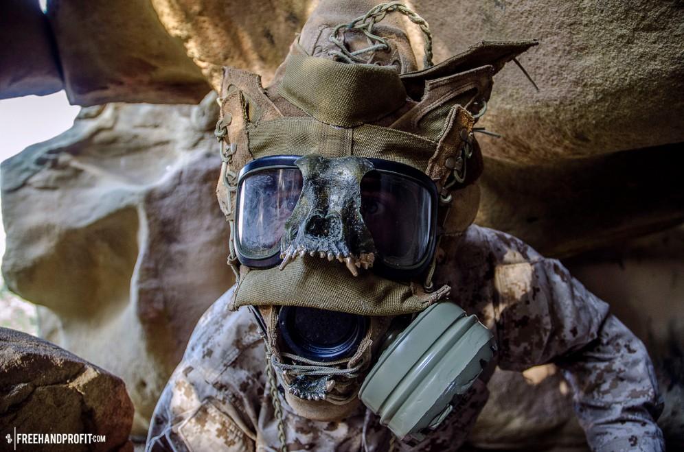 WEB 050 USMC Combat Book Gas Mask 09