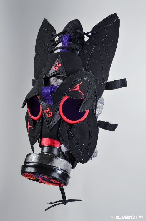 The 61st sneaker mask created by Freehand Profit. Made from 1 pair of Retro Jordan 7s. Find out more about the work on FREEHANDPROFIT.com.