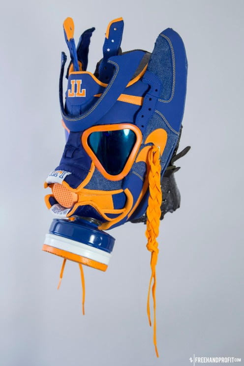 The 98th sneaker mask created by Freehand Profit. Made from 1 pair of Jeremy Lin Air Force 1 Lows, created for Sneaker Pimps. Find out more about the work on FREEHANDPROFIT.com.
