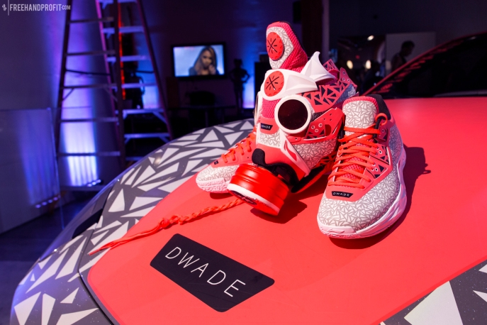 WEB 107 Way of Wade 4 Christmas Gas Mask 10