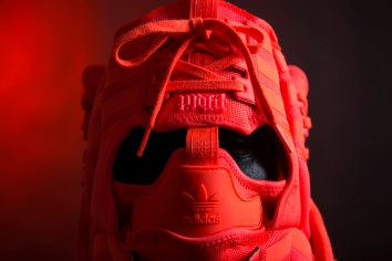 The 134th sneaker mask created by Freehand Profit. Made from 3 pairs of adidas NMD R1s. Find out more about the work on FREEHANDPROFIT.com. On display at adidas SOHO 3/2017!
