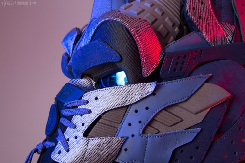 The 148th sneaker mask created by Freehand Profit. Made from 3 pairs of Nike Huaraches. Find out more about the work on FREEHANDPROFIT.com.