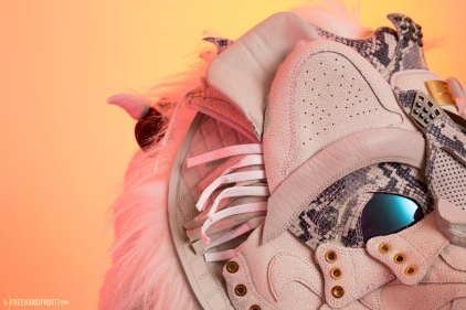 The 147th sneaker mask created by Freehand Profit. Made from a pair of Pinnacle Jordan 1s and a pair of Pinnacle Jordan 4s, based of Rengar from League of Legends. Find out more about the work on FREEHANDPROFIT.com.