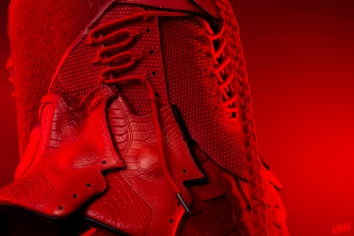 The 175th sneaker mask created by Freehand Profit. Made from 2 pairs of Nike Kobe 9 EXT. Find out more about the work on FREEHANDPROFIT.com.